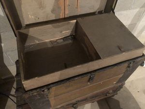 2 antique travel trunks for Sale in Columbus, OH
