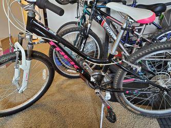 Trek Girls Mtn Bike for Sale in Portland,  OR
