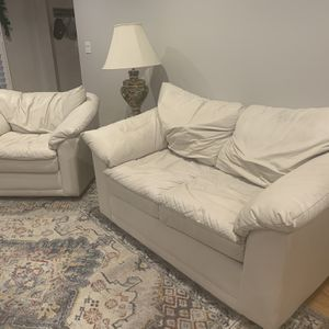Free Couches for Sale in Downers Grove, IL