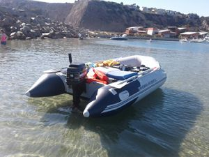 2017 inflatable boat w 15 hp Mercury for Sale in Dana Point, CA