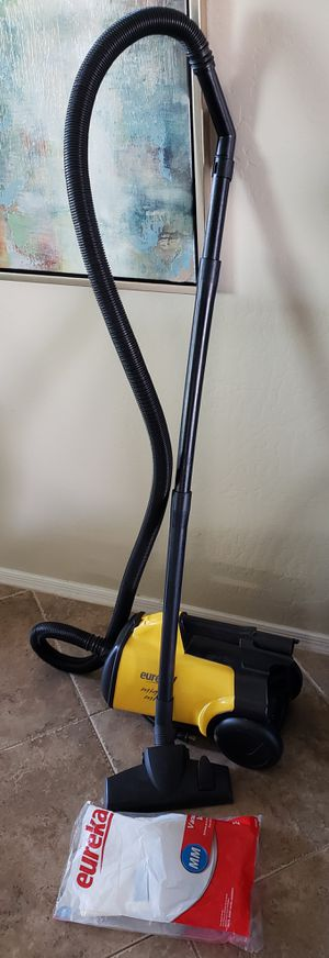 Eureka Mighty Mite Canister Vacuum Great Working Condition for Sale in Phoenix, AZ
