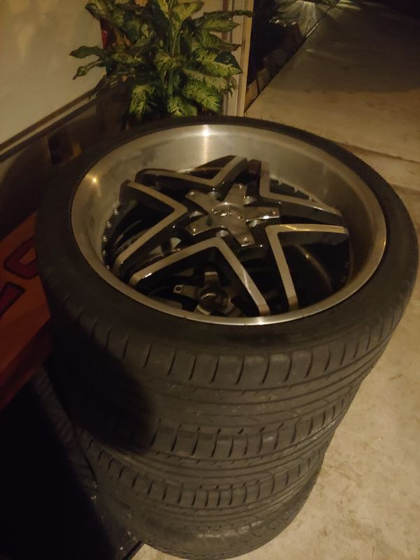 20' inch RS Alloy/black rims with chrome caps