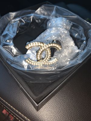 CHANEL HANDBAG AND BELT for Sale in Southfield, MI