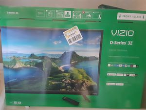 32 inch smart tv/ wall mounte for Sale in Vanderbilt, MI