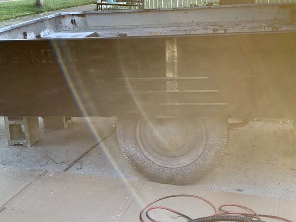8x5 Utility tilt trailer. New lights and new tires. No title