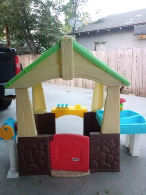 Toddler outdoor playhouse for Sale in Riverside, CA