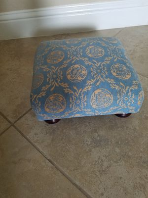 Small Foot Stool for Sale in Clovis, CA