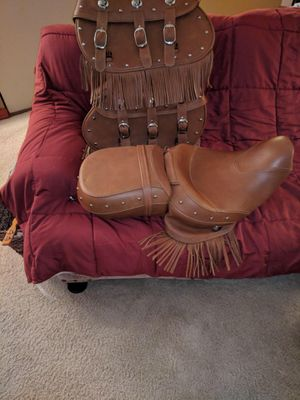 Indian motorcycle Vintage Classic seat and leather bags for Sale in Joliet, IL