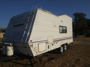 1998 toy hauler sand piper clean ready use for Sale in Fresno, CA