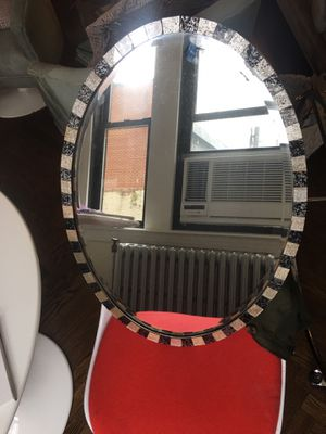 Oval wall mirror for Sale in New York, NY