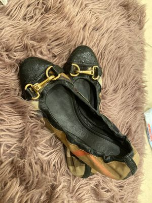Burberry Flats Women size 38 for Sale in South Gate, CA