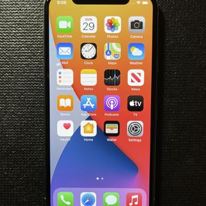 iPhone X UNLOCKED ( 256 GB ) with Accessories OBO for Sale in Austin, TX