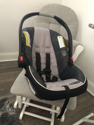 Car seat graco click connect for Sale in Richmond, VA