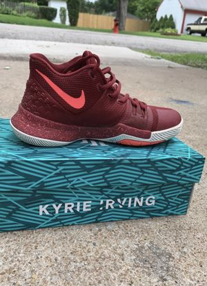 Nike Kyrie 3 Burgandy (GS) for Sale in Independence, MO