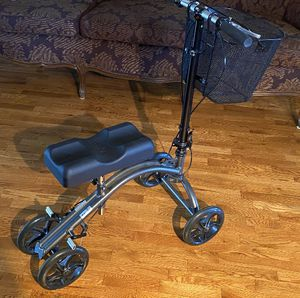 DRIVE knee scooter for Sale in Naperville, IL