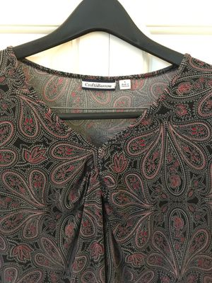 Women's short sleeve blouse/top / shirt size large for Sale in Federal Way, WA