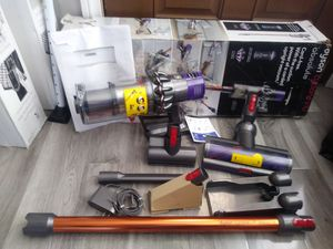 Dyson Cyclone V10 Absolute (Price is Firm) for Sale in Gardena, CA