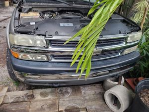 2001 Chevy Suburban parts vehicle for Sale in St. Petersburg, FL