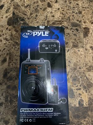 Portable PA system with wireless headset microphone, fm radio, mp3 ,usb,Sd,remote control and aux-in/out for Sale in Smyrna, TN