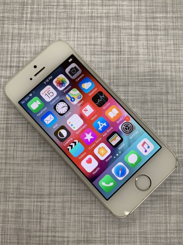 IPhone 5s - 32 GB - Factory Unlocked - Excellent Condition