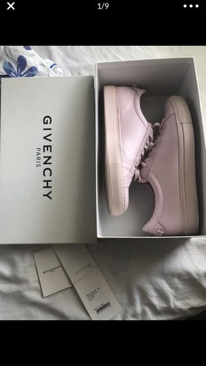Designer Givenchy pale pink sneakers for Sale in St. Petersburg, FL