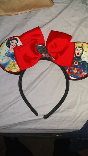 One of a kind snow white themed Mickey ears for Sale in Anaheim, CA