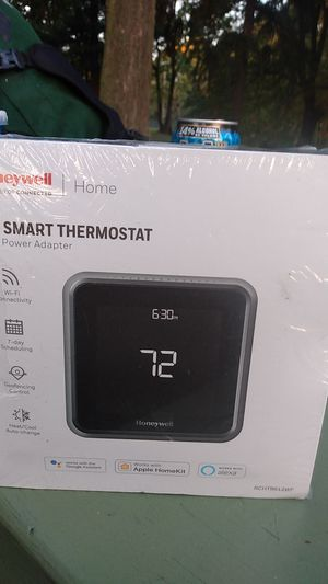 Honeywell t5 smart thermostat with power adapter for Sale in Portland, OR