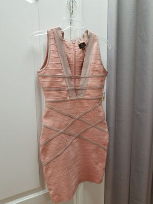 3 Dresses for Sale in Orlando, FL