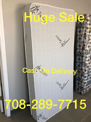 ORTHOPEDIC PILLOWTOP MATTRESS AND BOXSPRING for Sale in Calumet City, IL