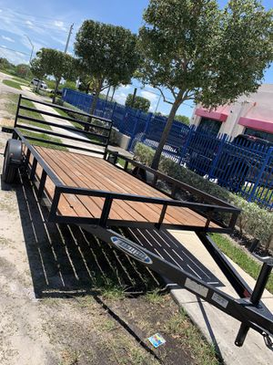 2018 trailer with title like new 7x14 for Sale in Miami, FL
