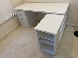 Nice & Neat L-shaped Office Desk/Table for Sale in Ashburn, VA