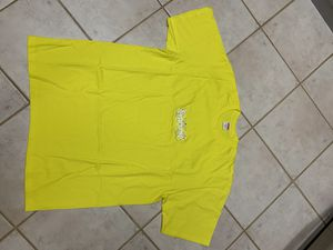 Supreme Bandana Yellow BOGO Tee size XL for Sale in Sugar Land, TX