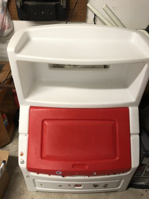"Step2 Lift & Hide 38"" Bookcase with Kids Storage Bin Toy Organizers Ref for Sale in Houston, TX"