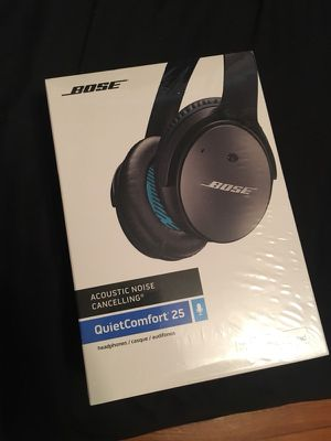 Bose noise cancelling headphones for Sale in Clayton, MO