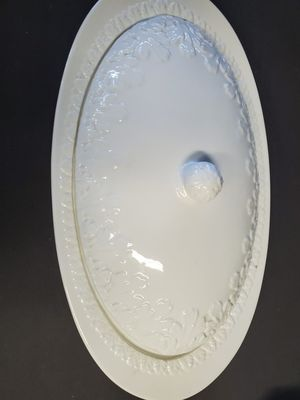 Large serving/turkey dish for Sale in Hesperia, CA