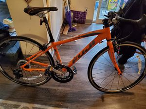 Fuji kids bike 650c for Sale in Gig Harbor, WA