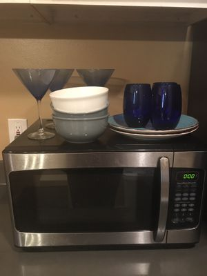 HAMILTON MICROWAVE AND THE BRAND NEW PLATES AND GLASSES NEEDS TO BE GONE BY MONDAY!!! for Sale in Pittsburgh, PA