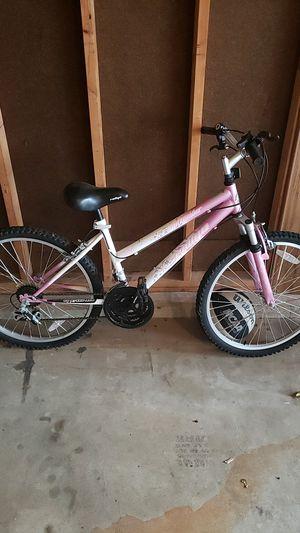 Girls 18 speed bike for Sale in Aurora, IL