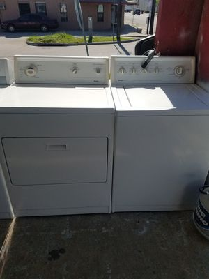 Top load regular capacity washer and dryer set for Sale in Houston, TX