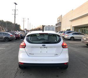 2016 Ford Focus SE Hatchback Manual for Sale in Oakton, VA