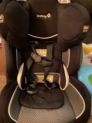 Car seat and training potty for Sale in Chesapeake, VA
