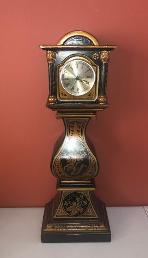 TALL ANTIQUE CLOCK for Sale in Parkland, FL