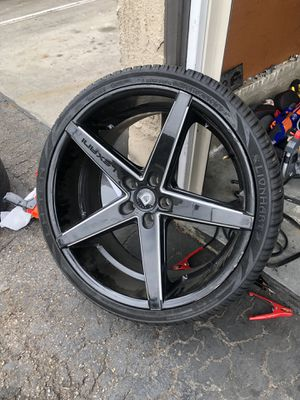 22 inch wheels and tires for Sale in Riverside, CA