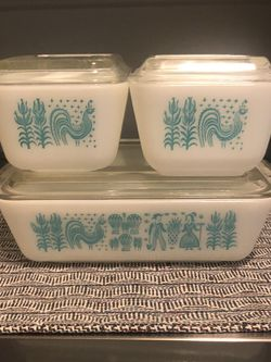 Vintage Pyrex Butterprint Refrigerator Set With Old Style Lids for Sale in Henderson,  NV