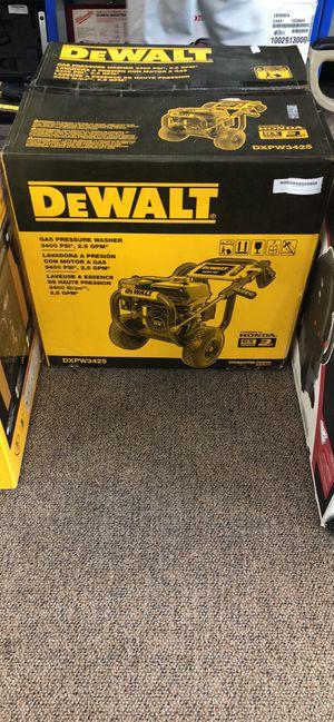 Dewalt Pressure Washer 3400 PSI 2.5 GPM GX200 Honda Engine #DXPW3425 for Sale in Haverhill, MA