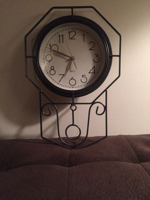 Kitchen/ Living Room Wall Clock for Sale in Clifton, NJ