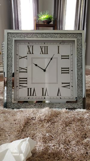 NEW Sparkle Mirror Wall Clock for Sale in Conyers, GA