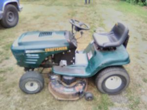 Craftsman Riding Lawn Mower for Sale in Tacoma, WA