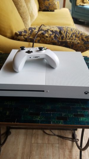 Never used Xbox 1s White / controller for Sale in New York, NY