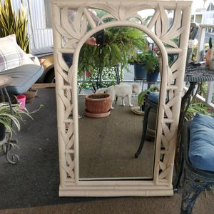 """Beautiful Wall Mirror, Good Condition, May Be Painted! 27""""× 48"""". for Sale in Hawaiian Gardens, CA"""